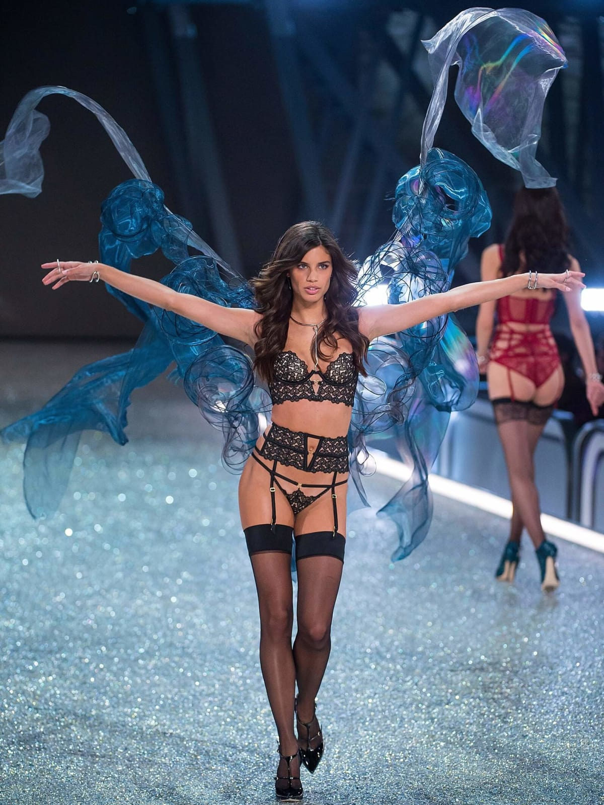 Sara Sampaio in Victoria's Secret fashion show