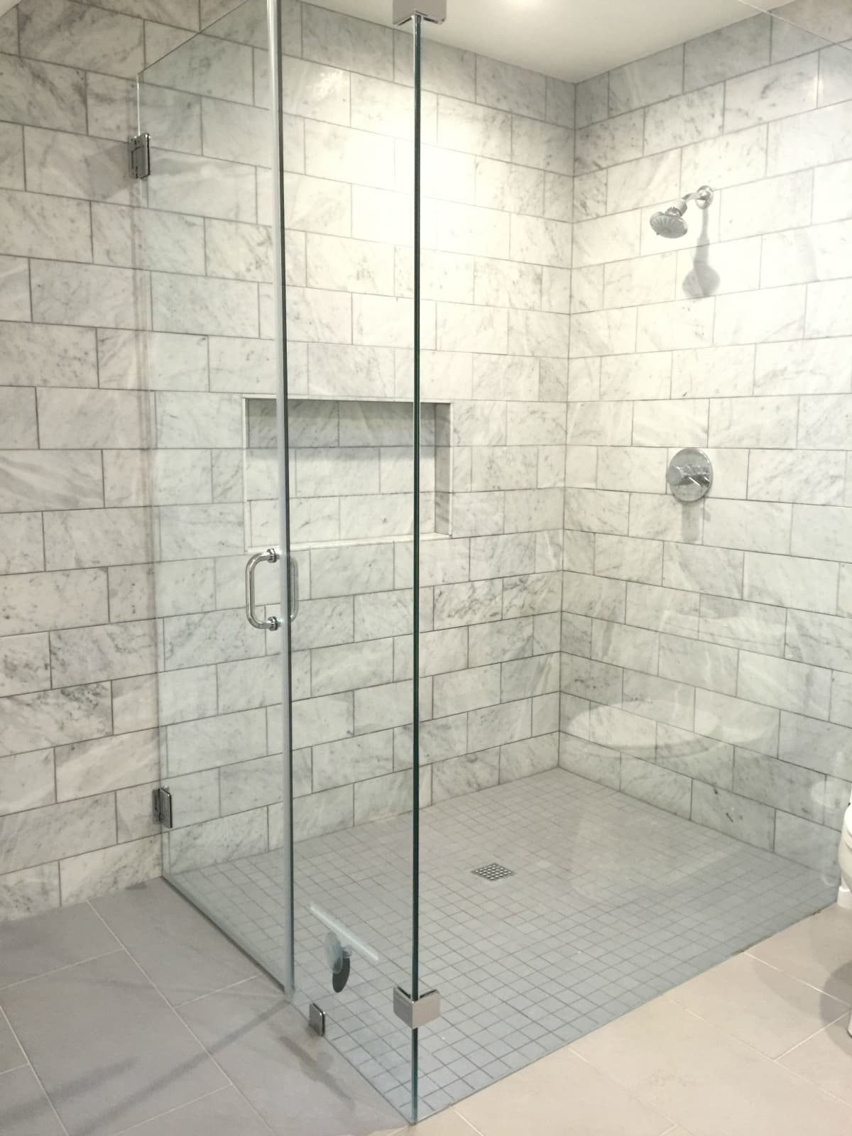 No curb/zero entry shower