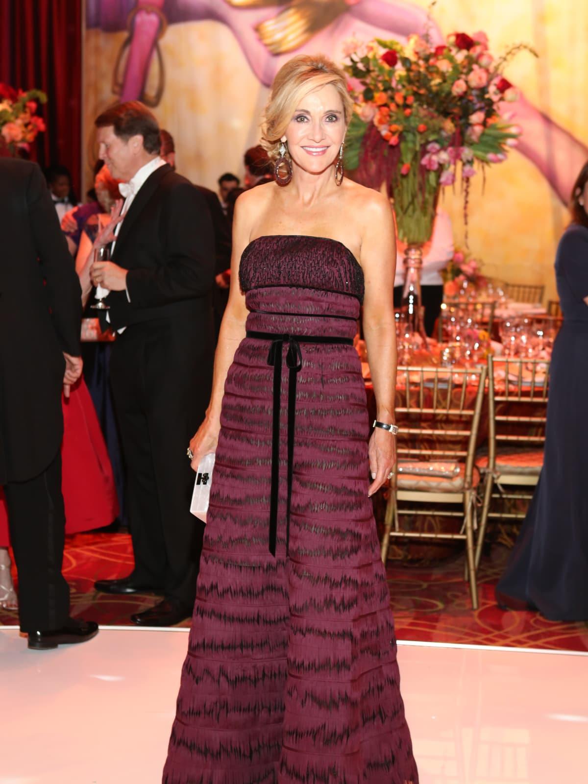 Houston, Opera Ball Gowns, April 2016, Jana Arnoldy in Oscar De La Renta.