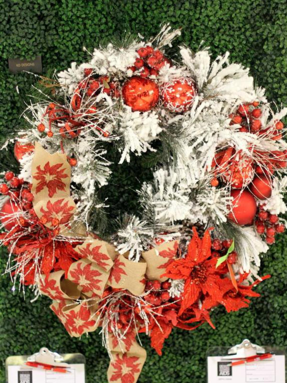KD Designs wreath for DIFFA 2014