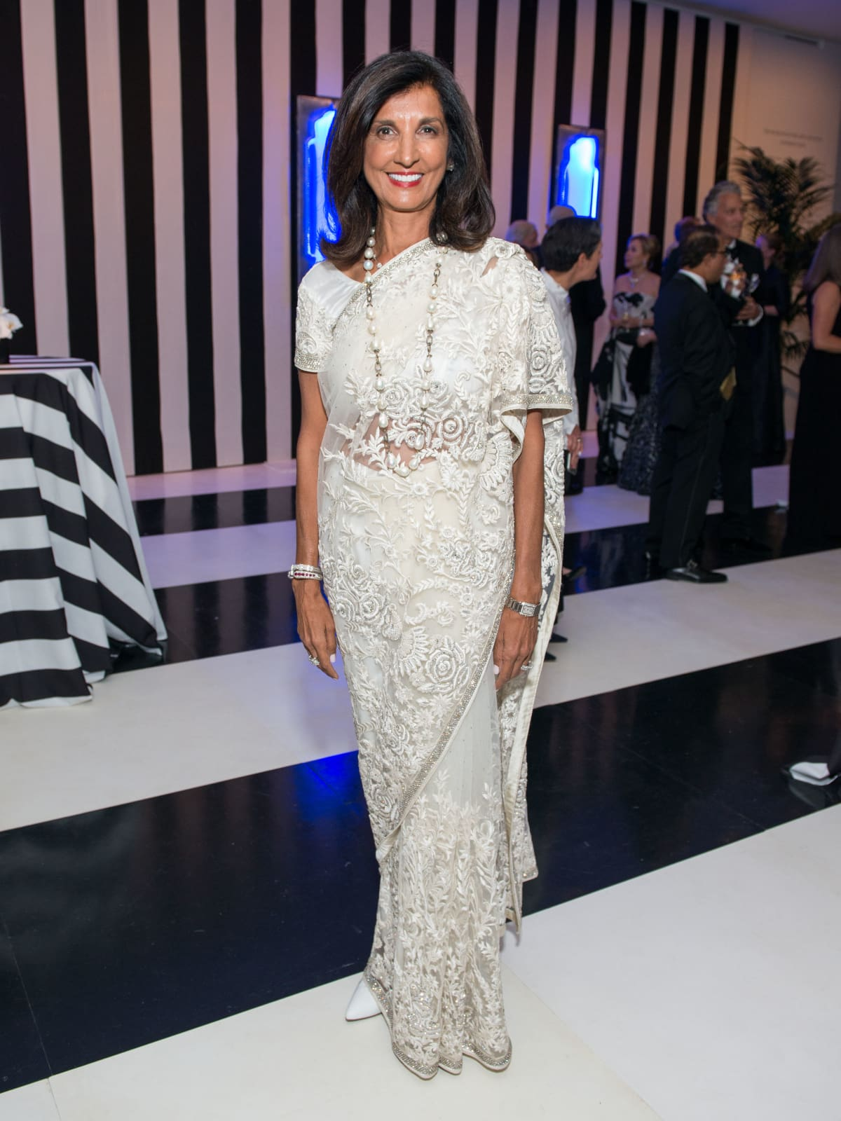 News, Shelby, MFAH gala gowns, Oct. 2015 Sultana Mangalji