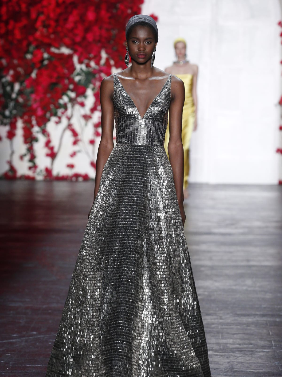 Naeem Khan goes big and bold with brightest gowns of fashion week ...