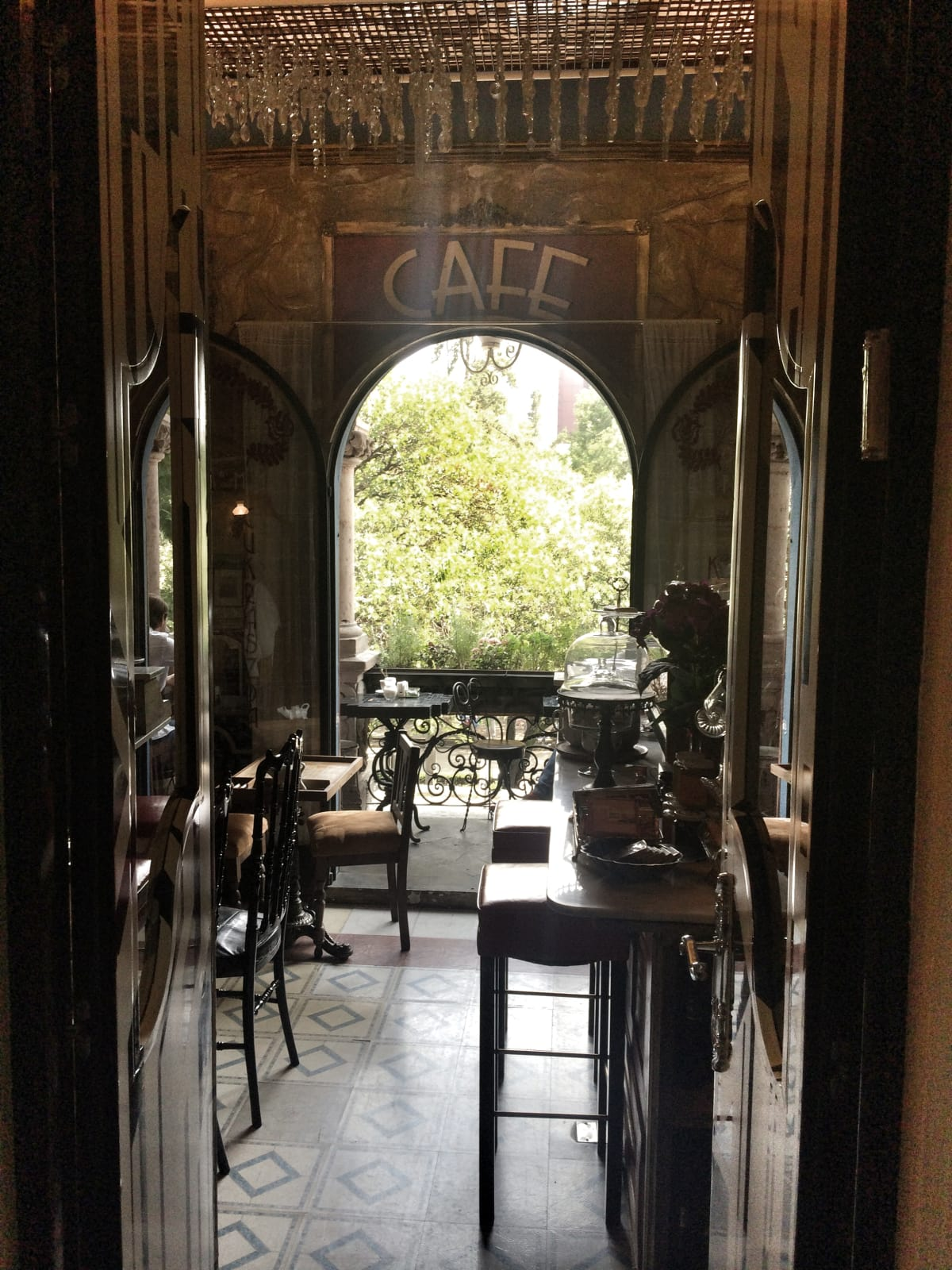 News, Shelby, Polanco in Mexico City, July 2015, Cafe in Common People store