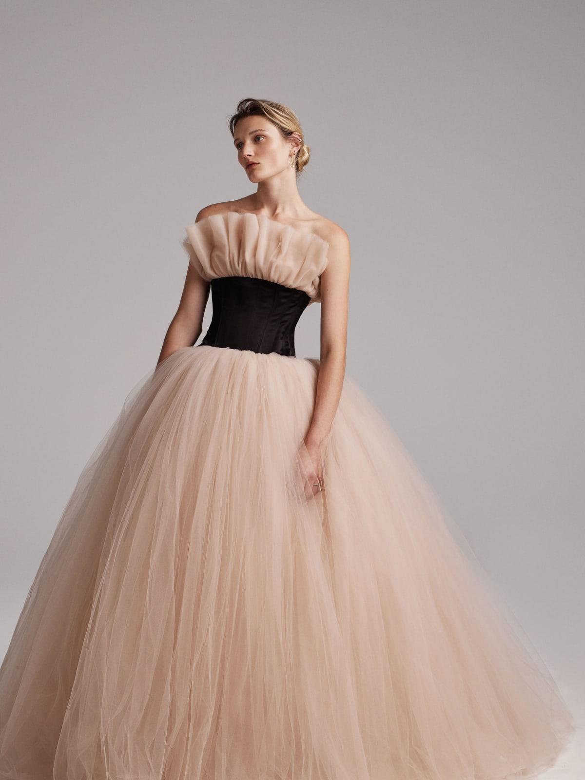 Elizabeth Kennedy spring 2018 gown look 17