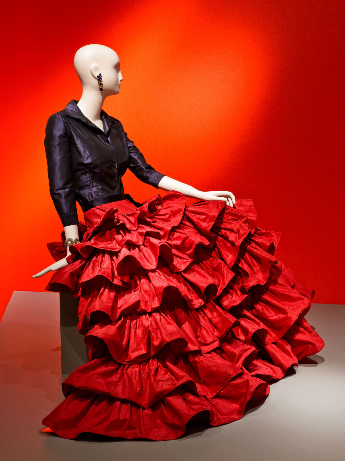 Oscar de la Renta, Custom Evening Ensemble, 2001, silk taffeta and silk satin, courtesy of Oscar de la Renta Archive (worn by Mica Ertegun to an event celebrating her 40th wedding anniversary to Ahmet Ertegun, 2001