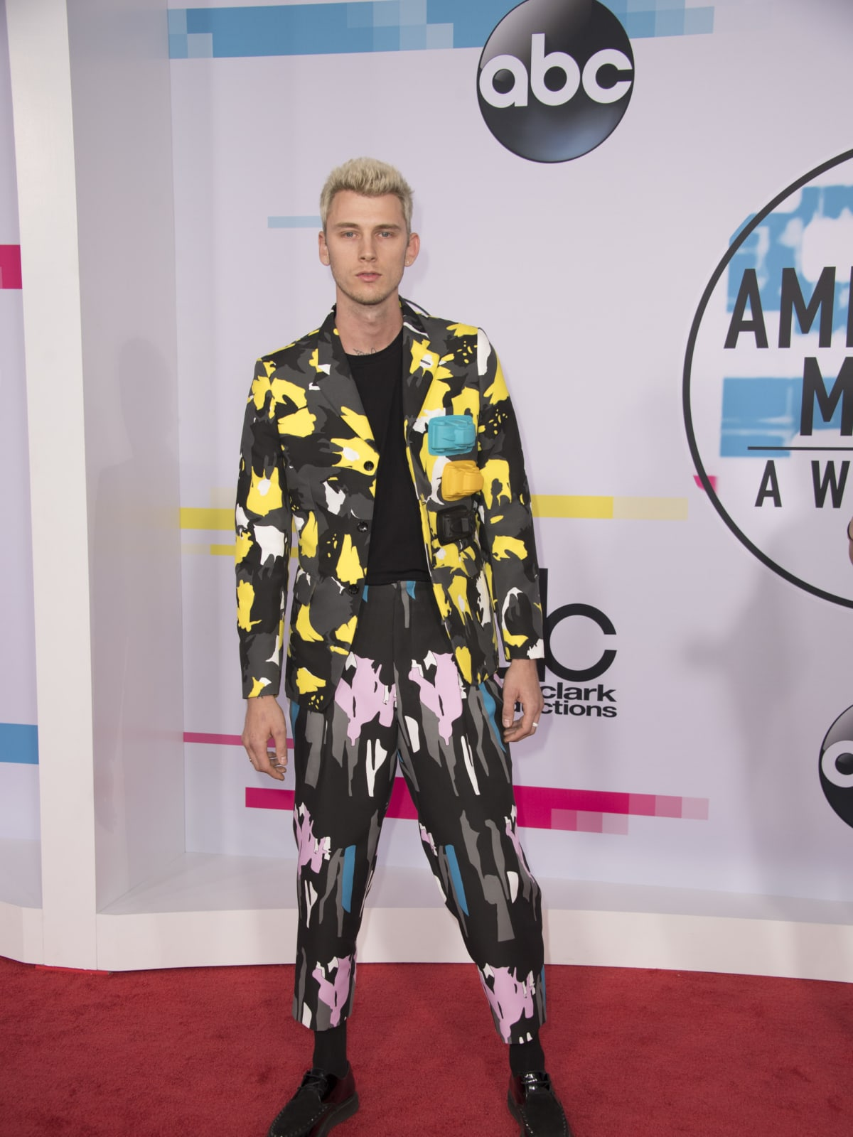 American Music Awards Machine Gun Kelly