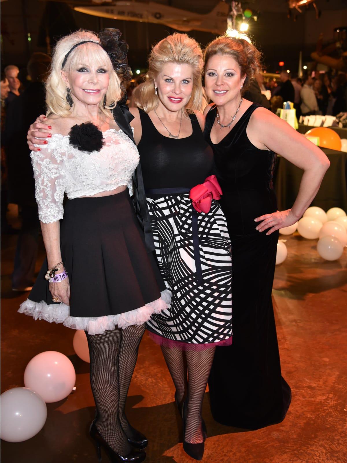 Tricia Sims, Patricia Schmidt, Leah Goodwin