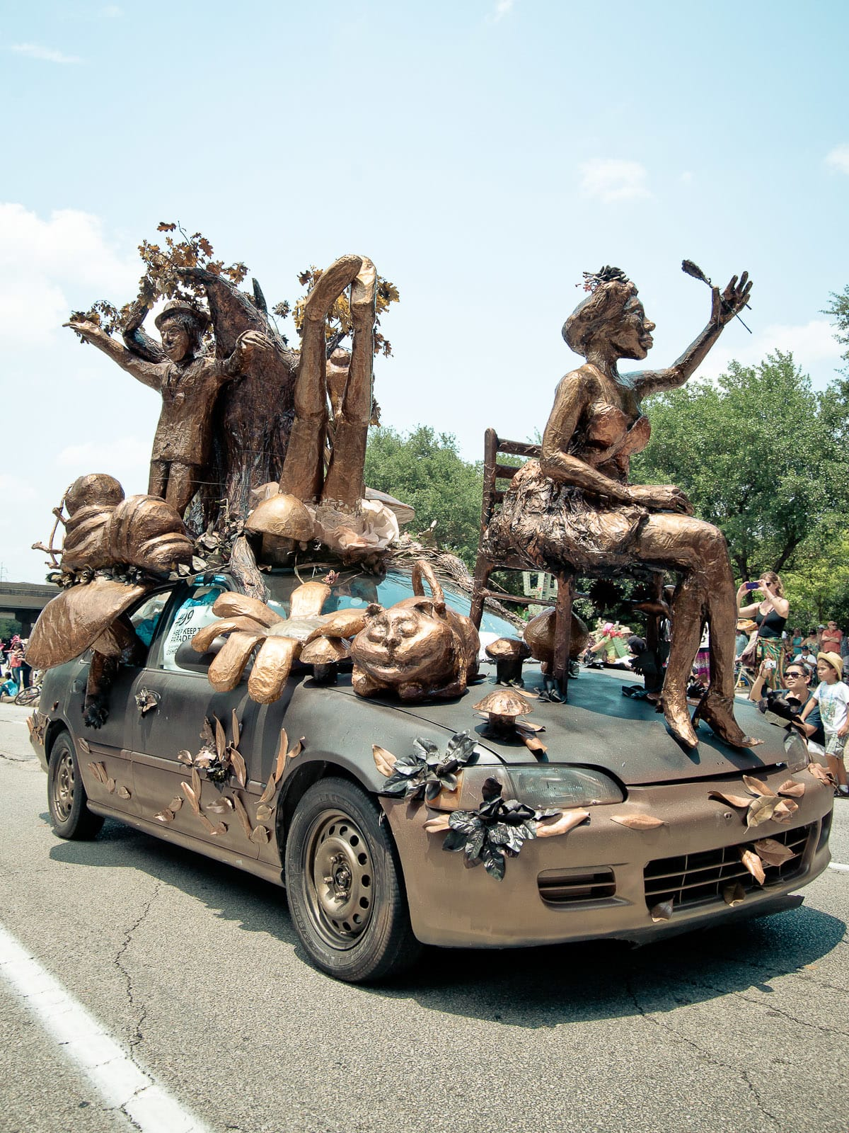 News_010_Art Car Parade