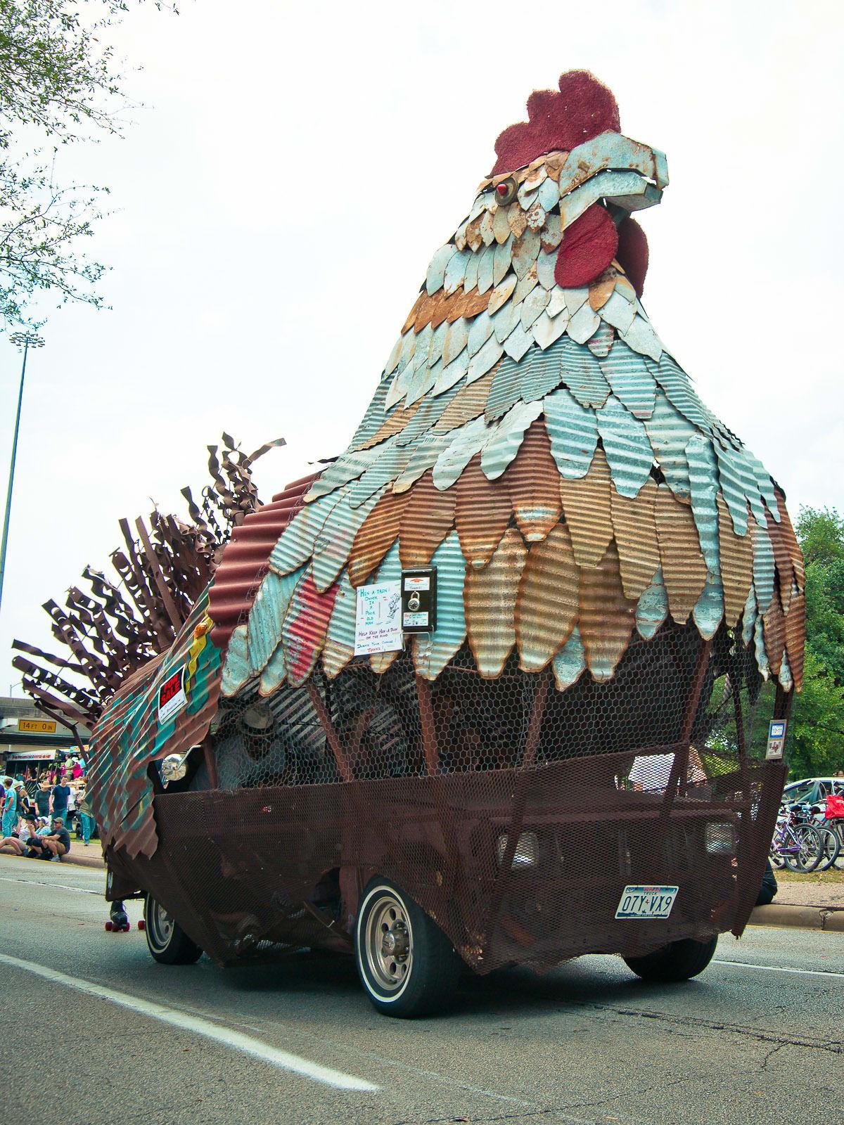 News_016_Art Car Parade