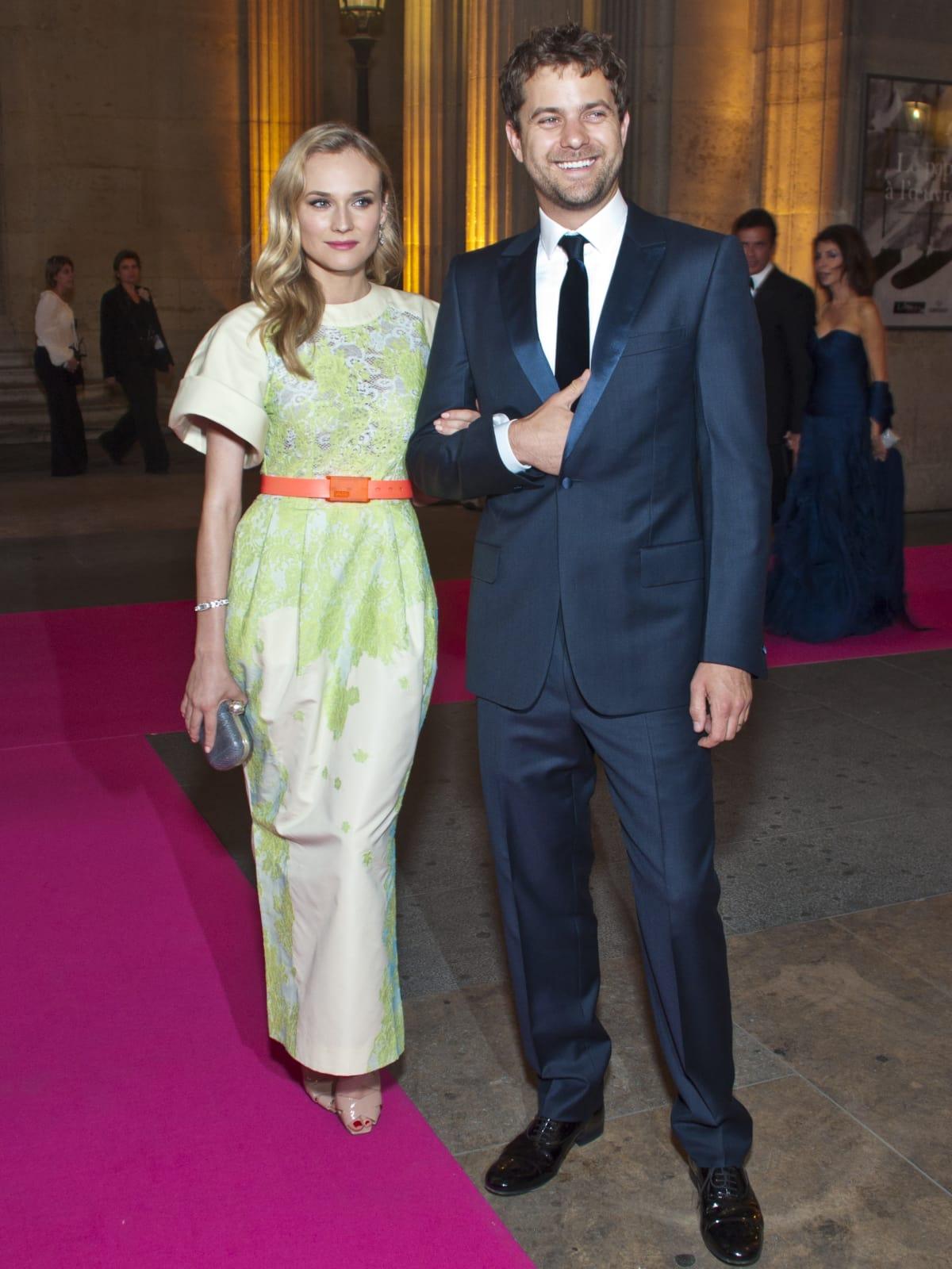 News_Louvre_Diane Kruger_Joshua Jackson__June 2011