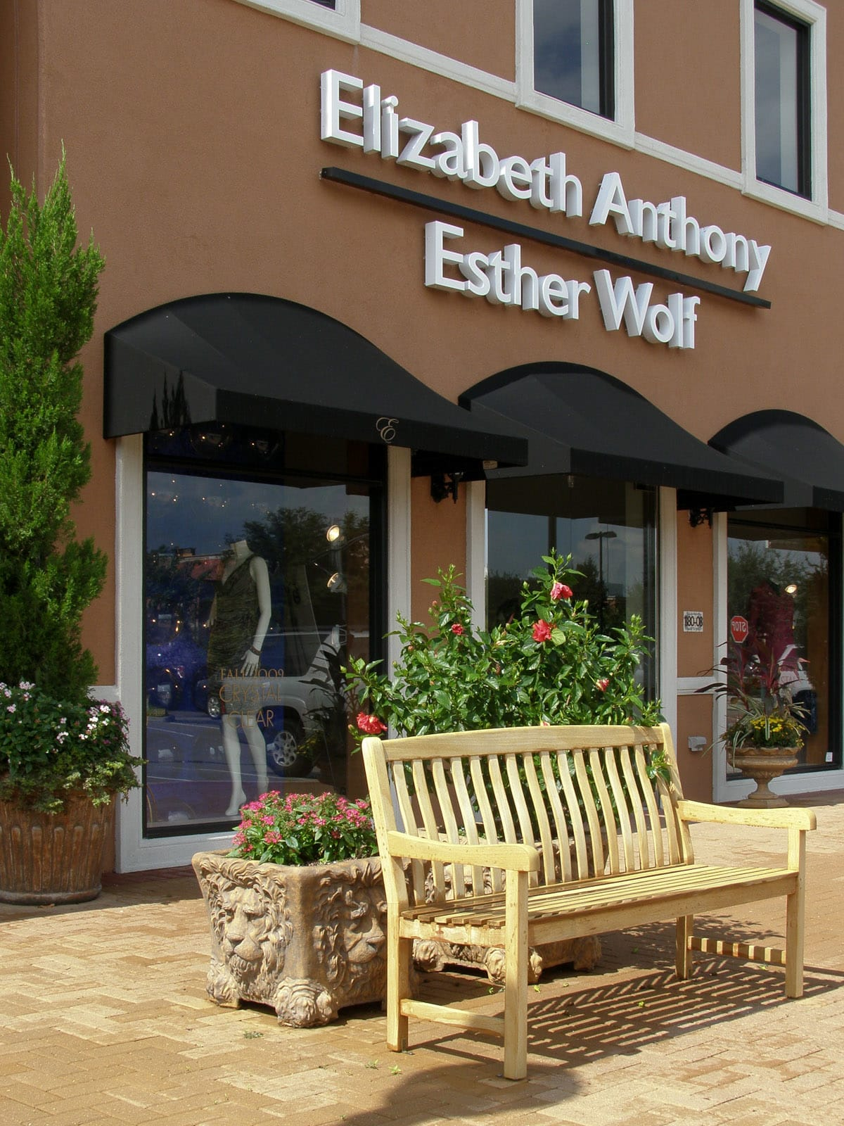 Places-Shopping-Elizabeth Anthony_Esther Wolf exterior day