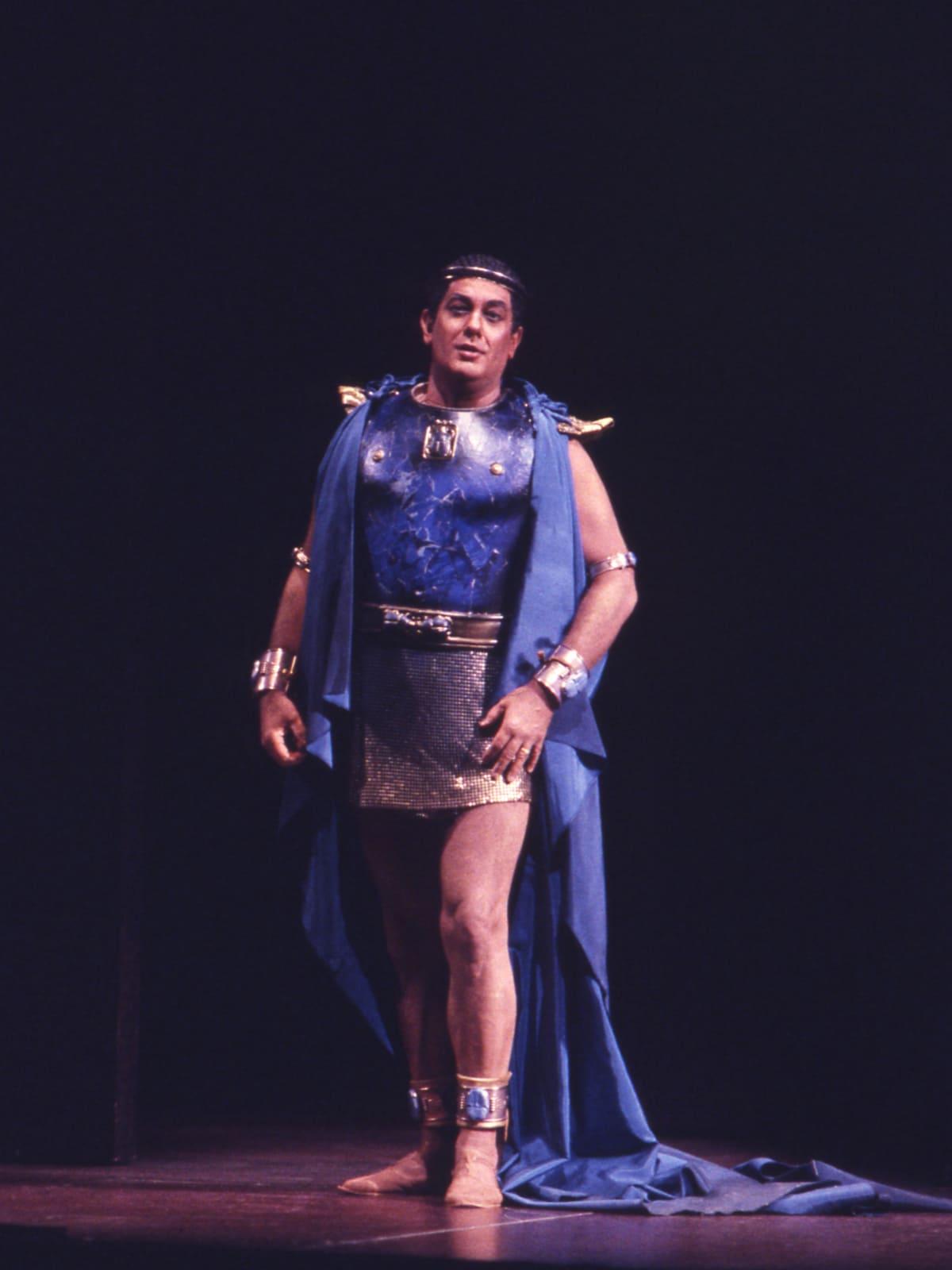 Plácido Domingo in HGO's Aida
