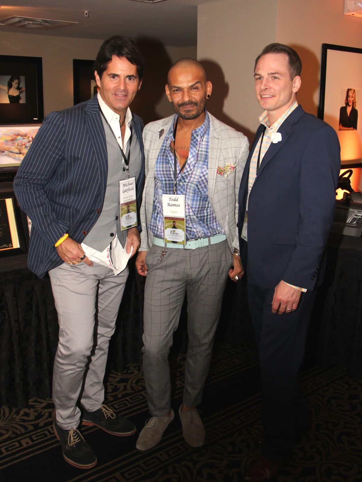 Escape Celebrity Waiters Michael Garfield, Todd Ramos Johnny Bravo