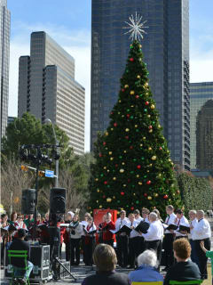 Klyde Warren Park presents Holiday Celebration
