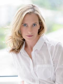 Devil Wears Prada author Lauren Weisberger headshot