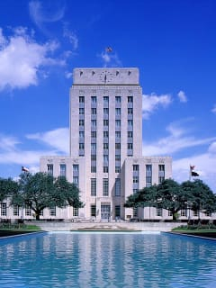 News_Houston_City Hall