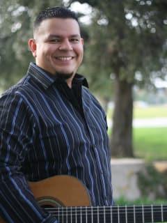 Isaac Bustos classical guitar recital