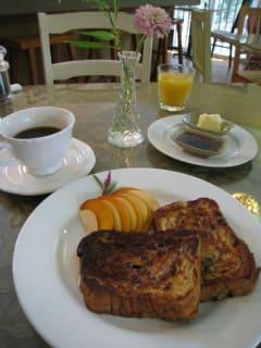 Austin Photo: Places_Food_somnios_cafe_french_toast