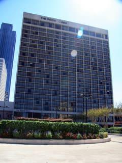 Places-Hotels/Spas-The Westin Oaks Houston-exterior-1