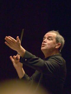 News-Hans Graf conducting