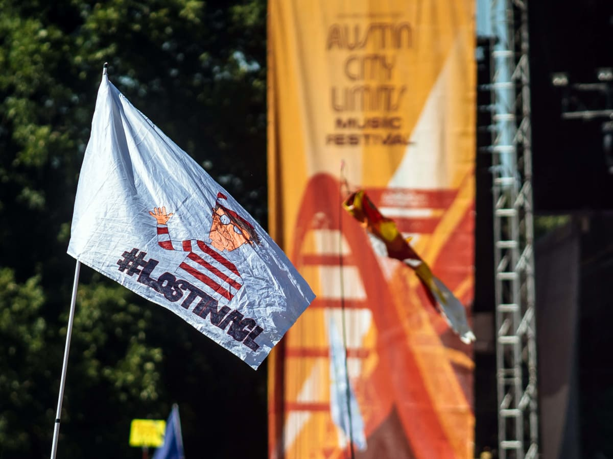 ACL Austin City Limits Music Festival 2016 flags Waldo