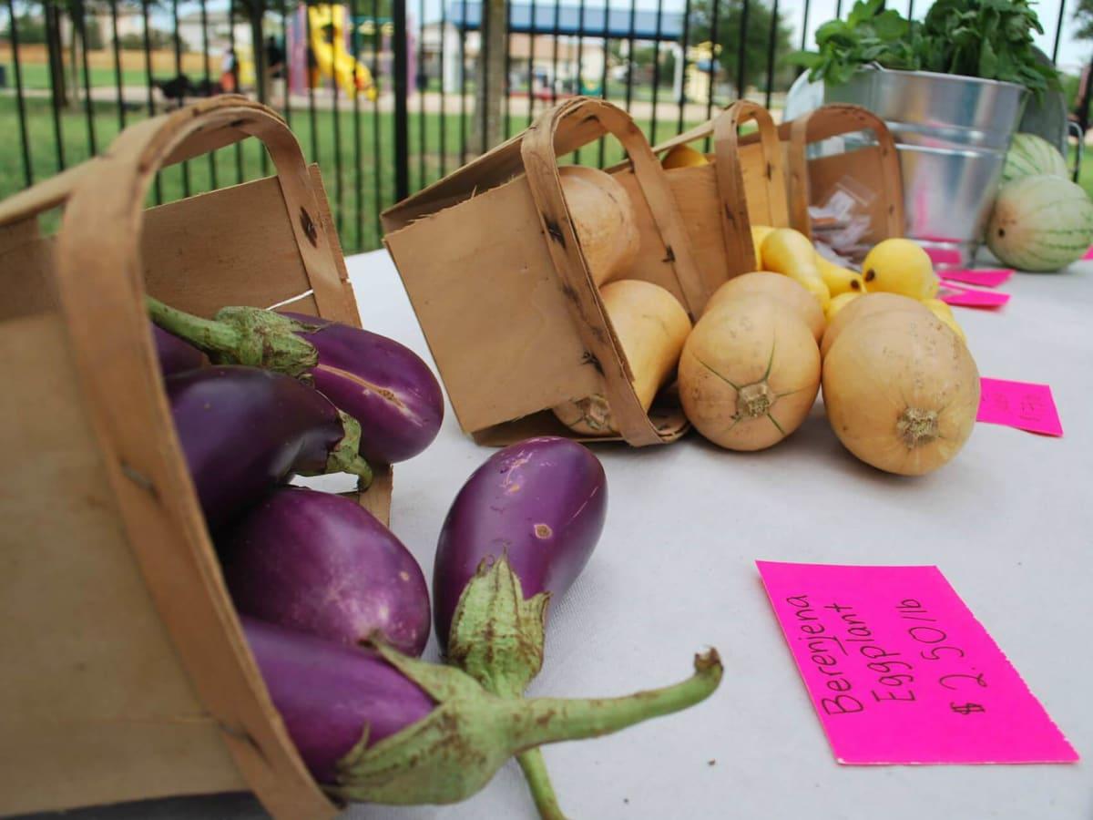 Farmshare Austin mobile market produce vegetables