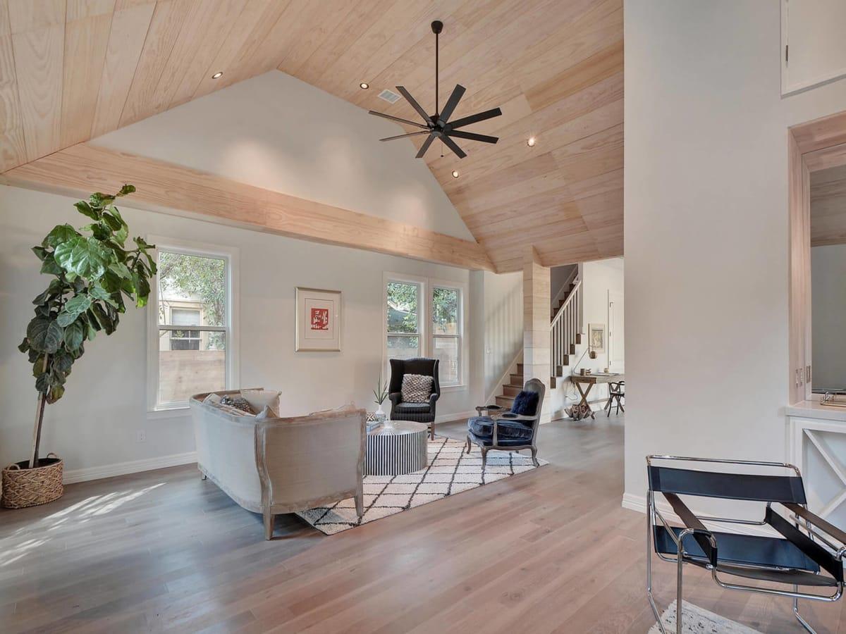 2010 Kinney Living Area 1
