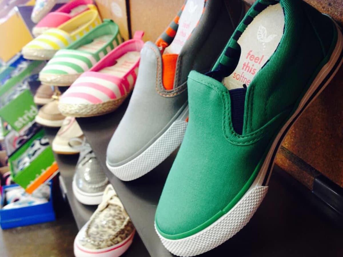 Sandy's Shoes Austin stores