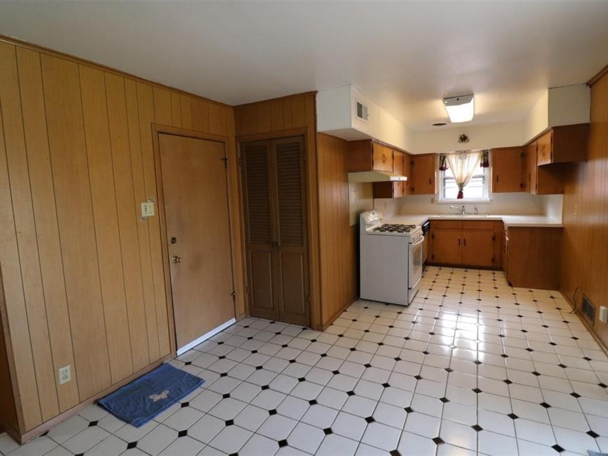 1750 Trace Bella Westlake house for sale closet
