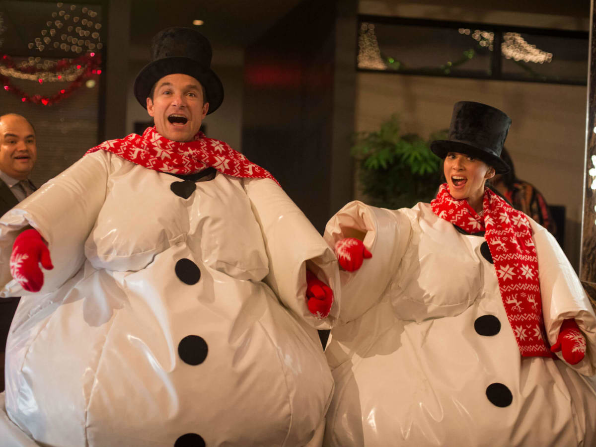 Slideshow: Good cast can\'t save Office Christmas Party: Even the ...