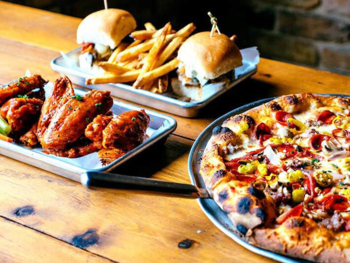 J Black's Feel Good Lounge food pizza sliders wings