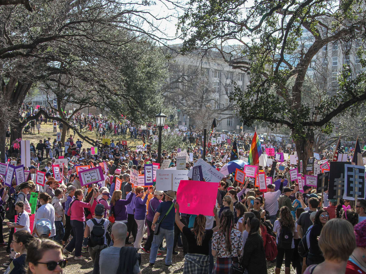 Women's March Austin Crowd