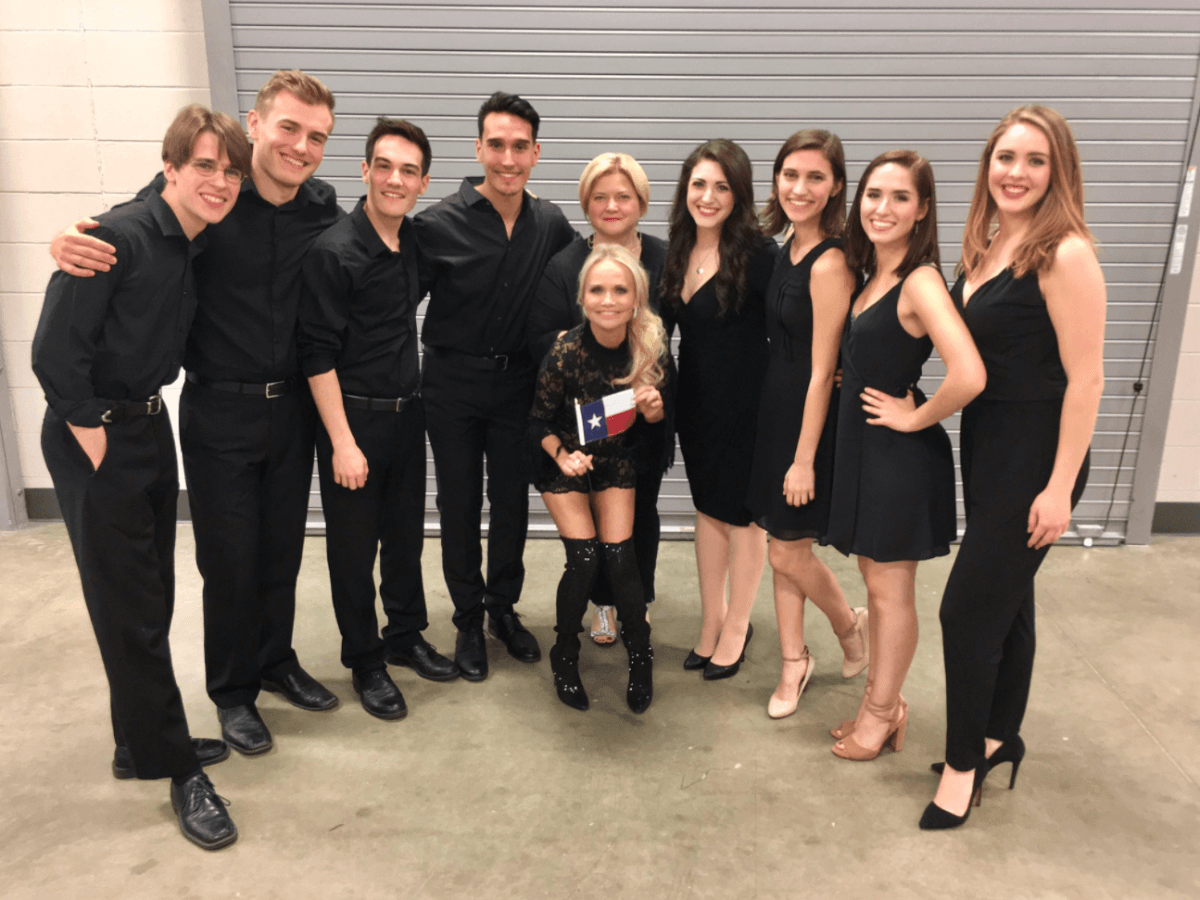 Kristin Chenoweth backstage at Smart Financial Centre with singes