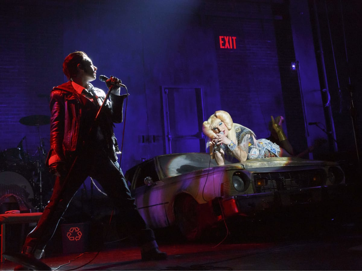 Hannah Corneau as Yitzhak and Euan Morton as Hedwig