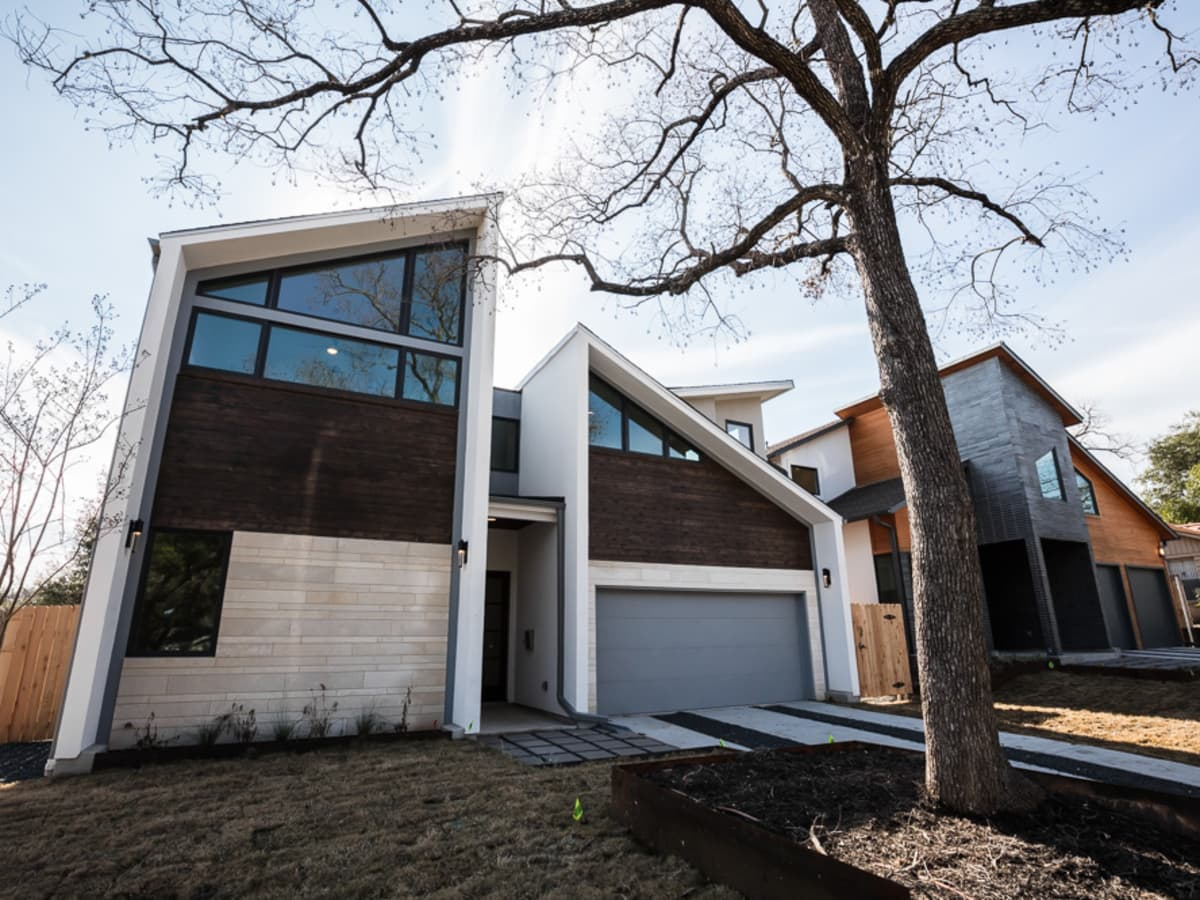 Austin Modern Home Tour 2017 2207 Townes Lane Tarrytown house Winn Wittman Architecture