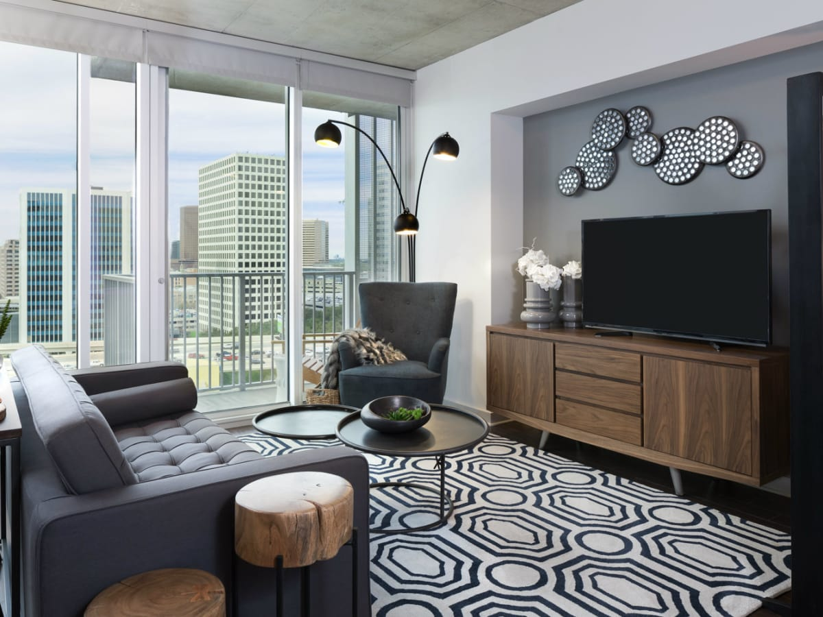 SkyHouse River Oaks living room