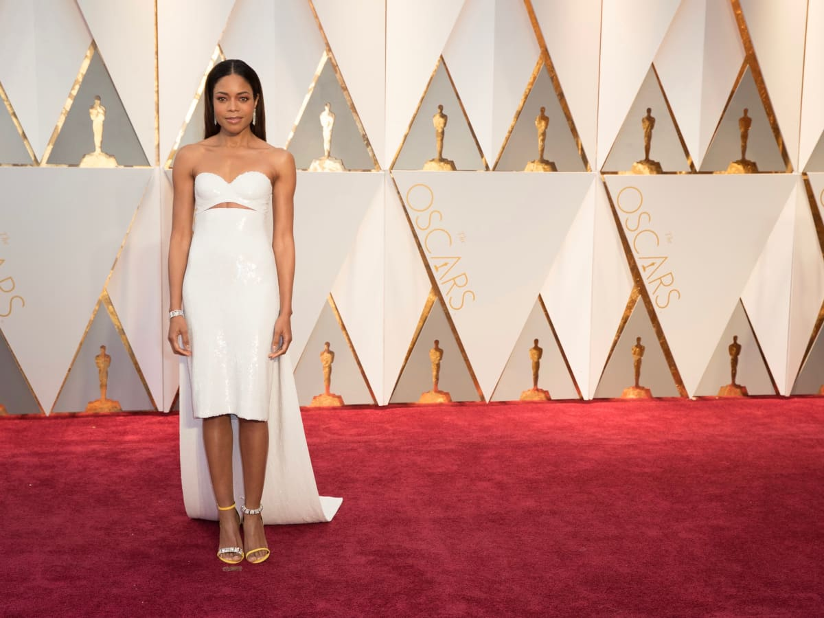 Naomi Harris in Calvin Klein at Oscars 2017