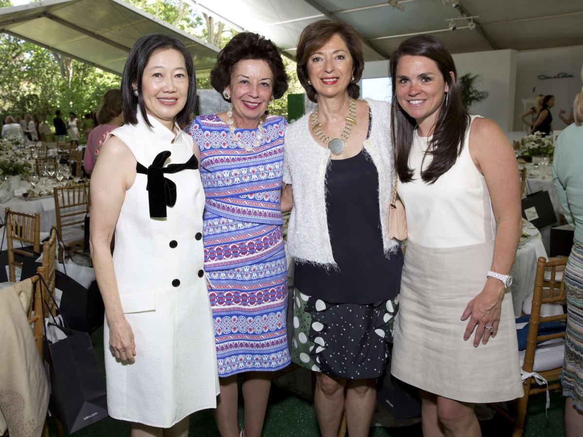 Bayou Bend Oscar de la Renta, Anne Chao; Kathy Goossen; Lily Kooros; Lacey Goossen