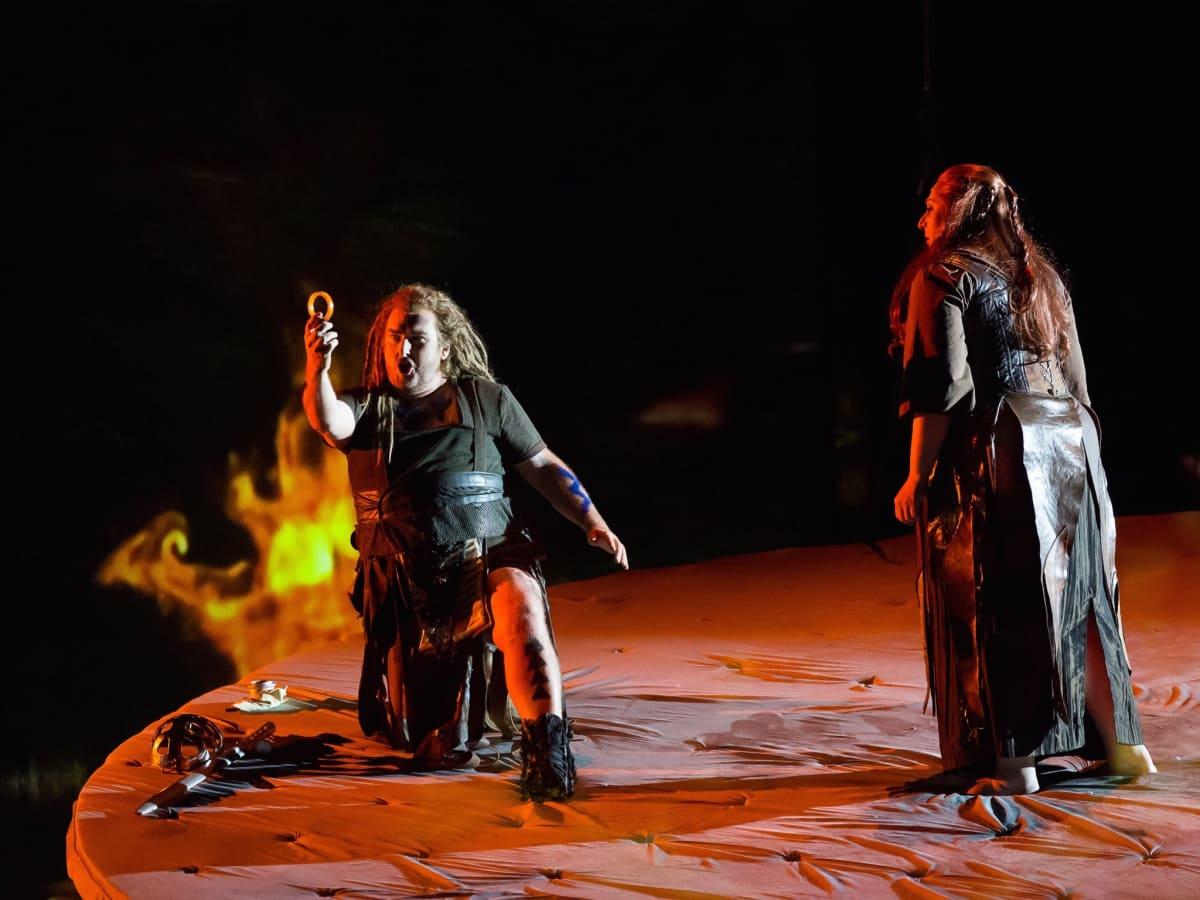 Houston Grand Opera Götterdämmerung, Simon O'Neill as Sigfried,  Christine Goerke as Brünnhilde