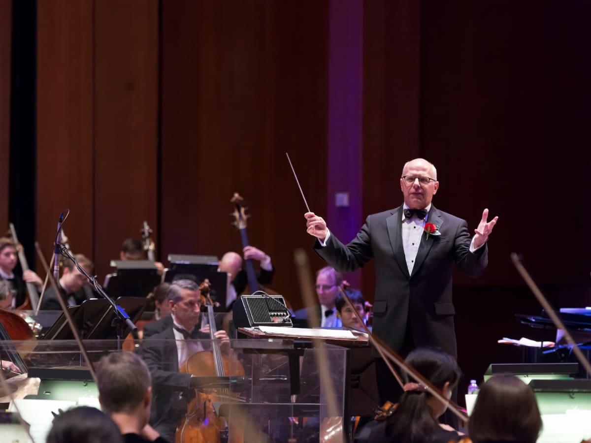Mike Krajewski conductor Houston Symphony March 2015