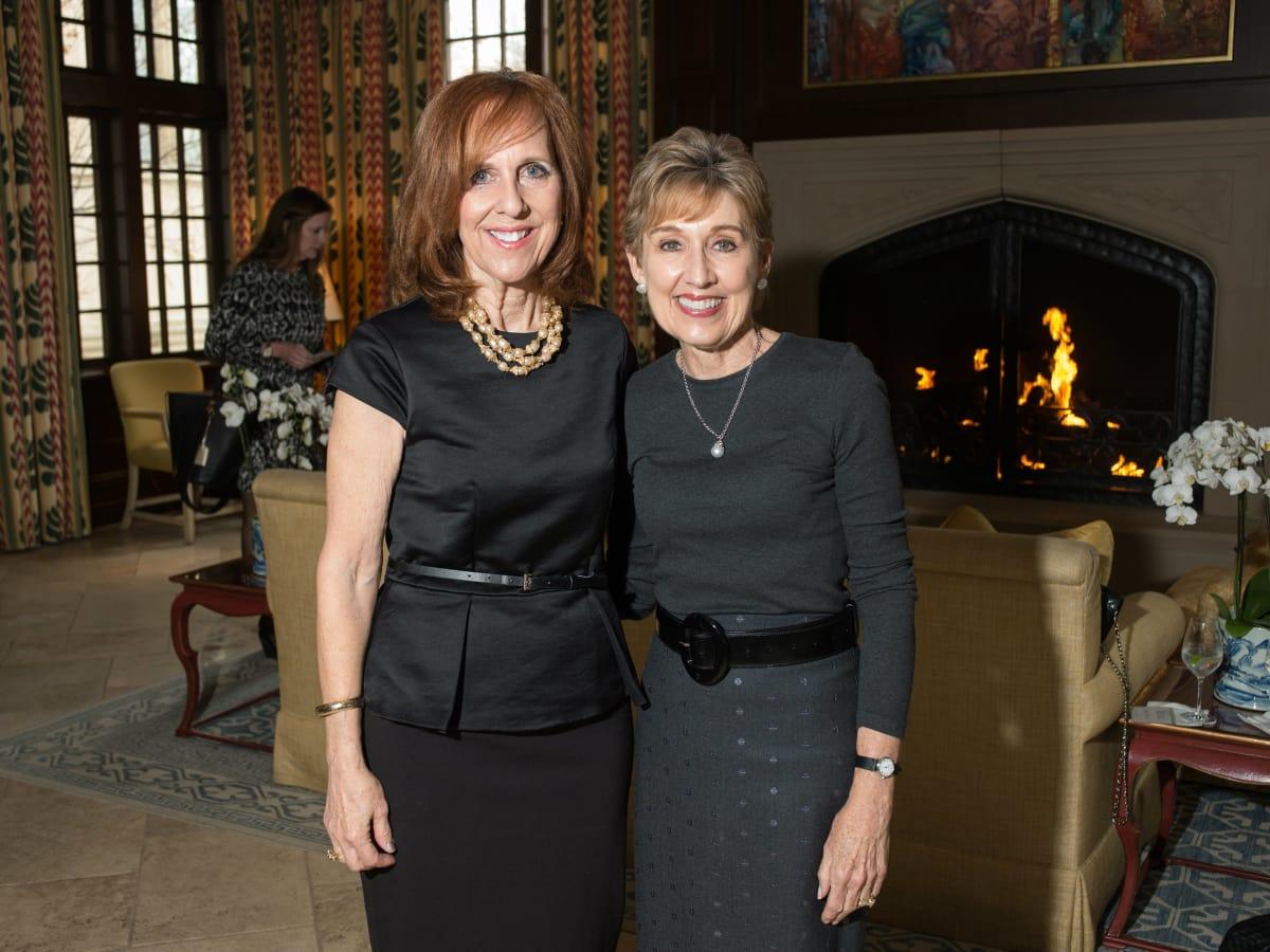 Susan Farris, Suzy Gekiere
