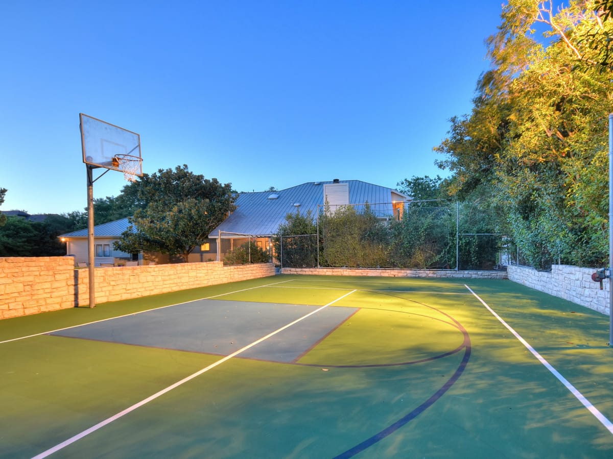 5 Muir Lane Austin house for sale sport court