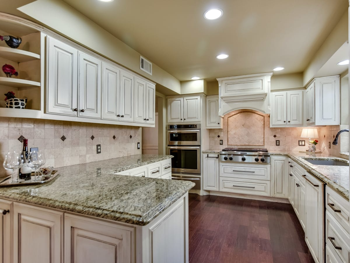 4407 Canyonside Austin home for sale kitchen