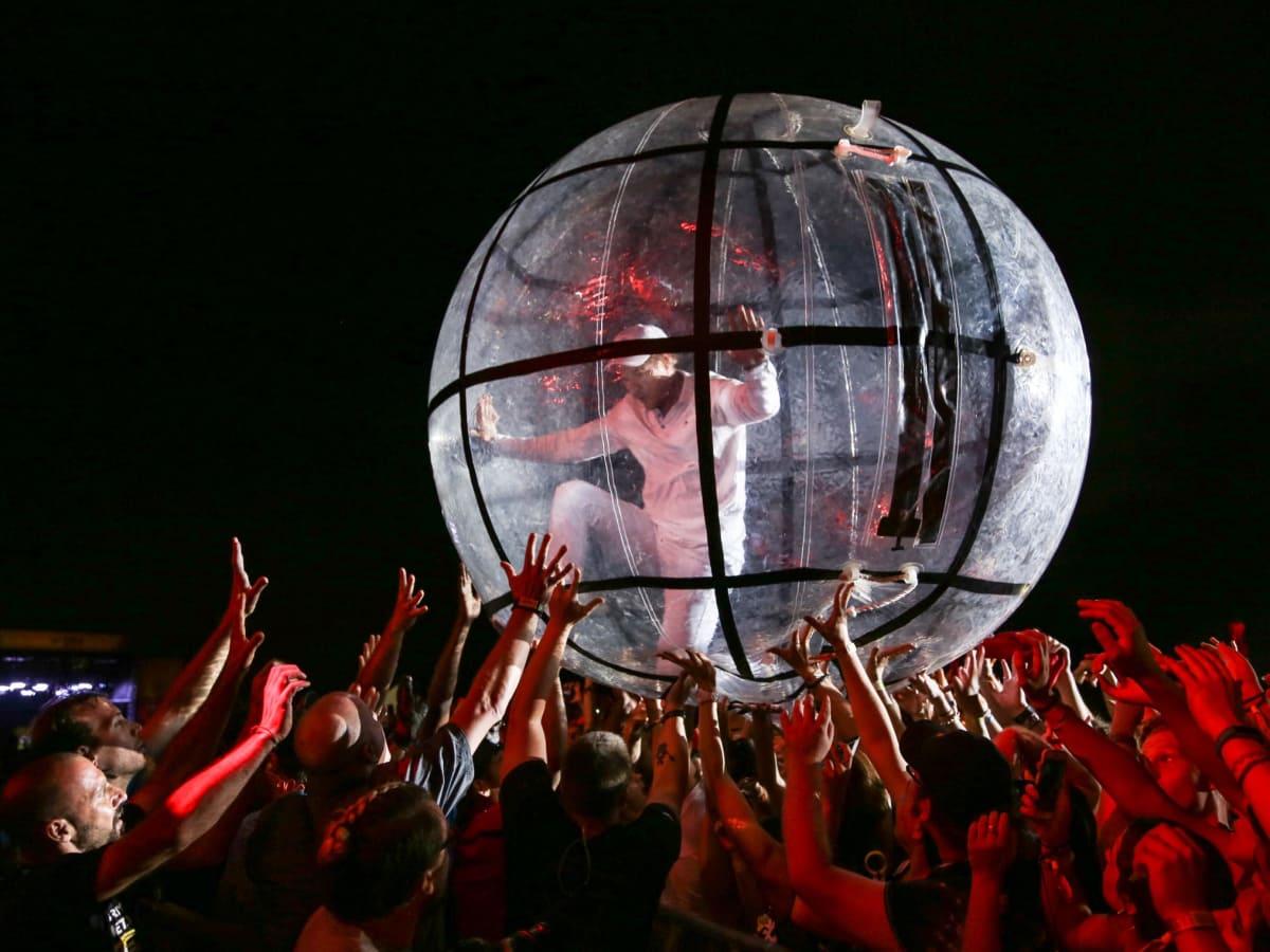 Austin City Limits Festival 2016 Weekend Two Major Lazer Diplo Crowd Ball