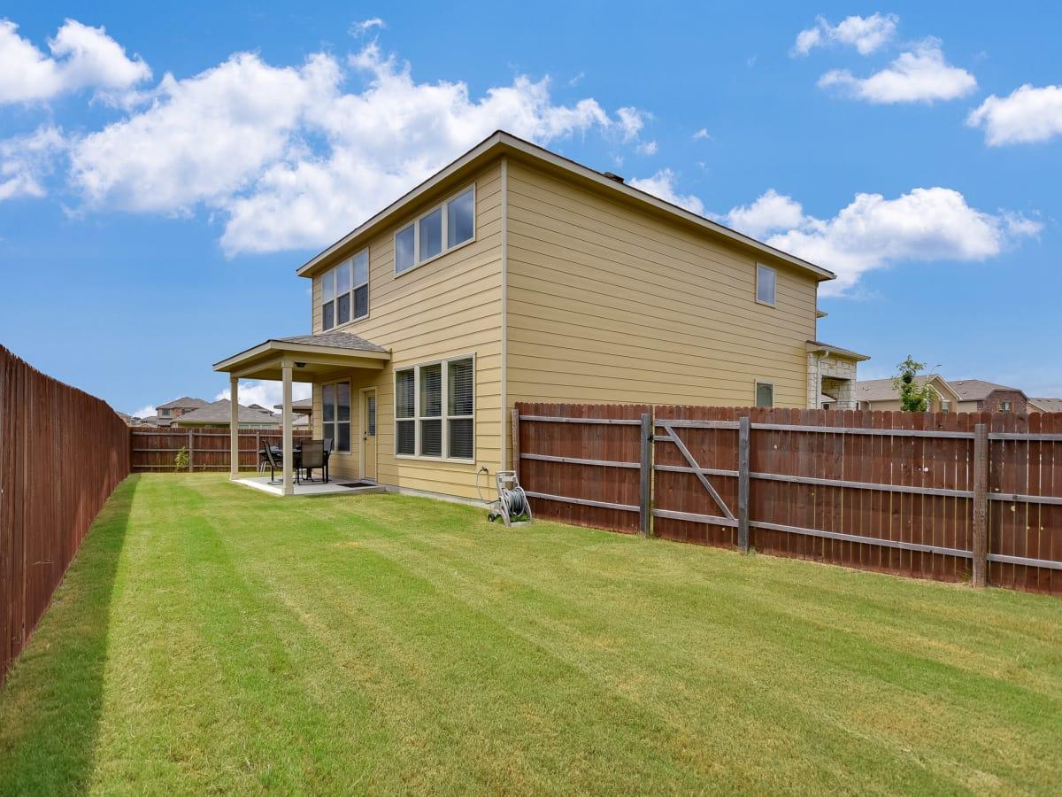 1400 Middlefield Austin house for sale backyard