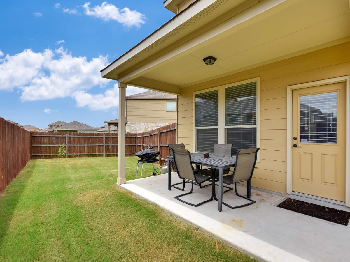 1400 Middlefield Austin house for sale patio