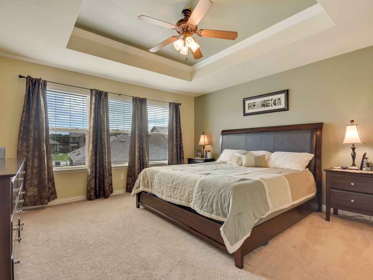 1400 Middlefield Austin house for sale master bedroom