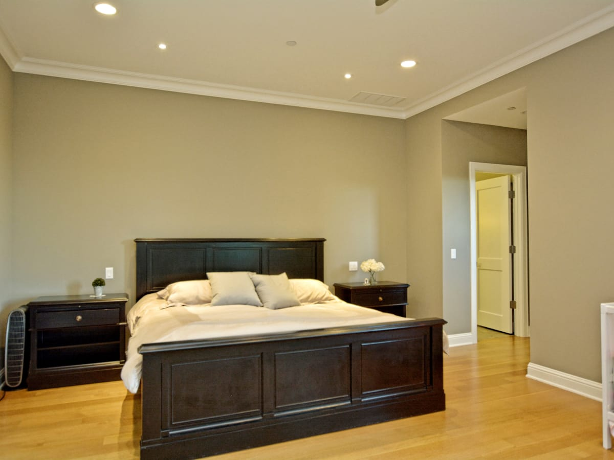 400 Almarian Austin house for sale master bedroom