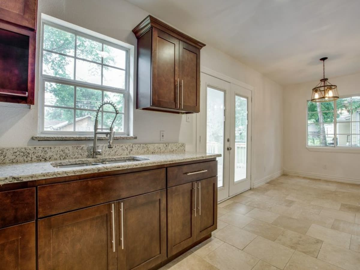 3208 Salerno Drive Kitchen