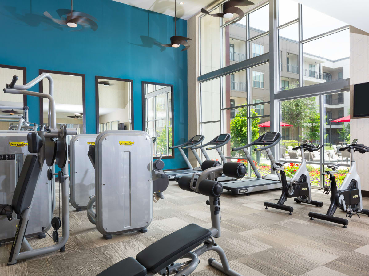 Strata Dallas fitness room